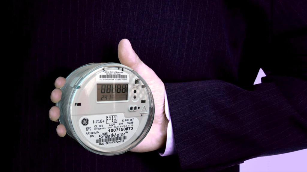 3-behind-back-smart-meter